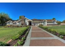 Villa for sales at Beautiful Home that Defines the Arcadia Lifestyle 5350 E Calle Del Medio   Phoenix, Arizona 85018 Stati Uniti