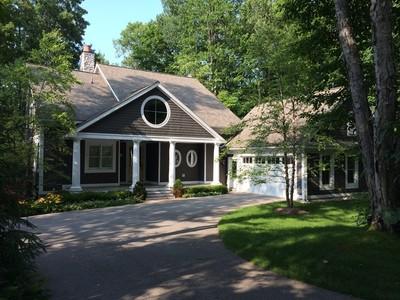 Casa para uma família for sales at Gof Course 7348 Preserve Drive South Bay Harbor, Michigan 49770 Estados Unidos