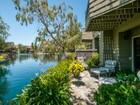Maison de ville for sales at 1167 Shoreline Drive  San Mateo, Californie 94404 États-Unis