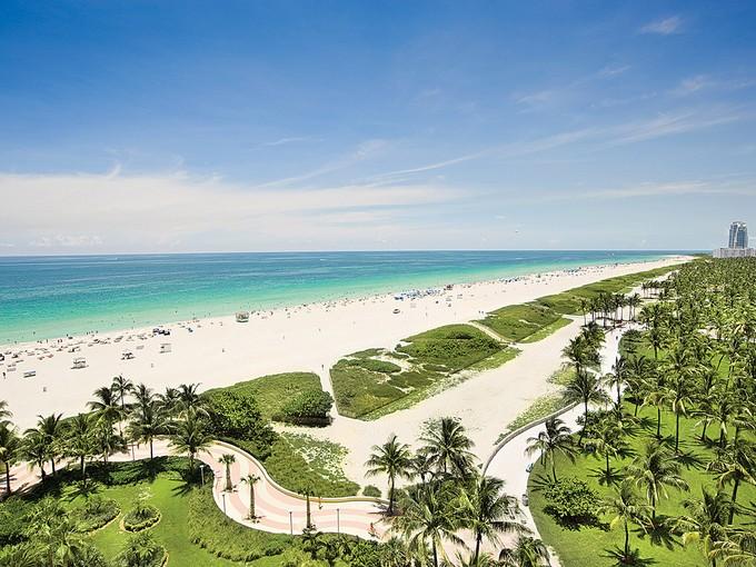 Condominium for rentals at Il Villaggio 1203 1455 Ocean Drive #1203  Miami Beach, Florida 33139 United States
