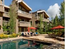 Appartement en copropriété for sales at Updated Gant Condo in Downtown Aspen 610 West End Street Unit G-102  Central Core, Aspen, Colorado 81611 États-Unis
