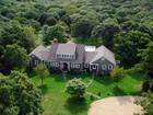 Maison unifamiliale for  sales at Chilmark Estate on 3 acres 5 Old Farm Road Chilmark, Massachusetts 02557 États-Unis