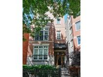 Maison unifamiliale for sales at Rarely Available 2600 Square Foot Penthouse 3528 N Fremont Street Unit 3  Lakeview, Chicago, Illinois 60657 États-Unis