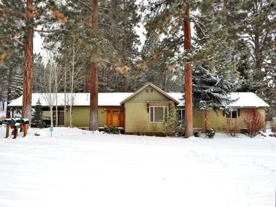 Maison unifamiliale for sales at 60275 SE Tekampe  Bend, Oregon 97702 États-Unis