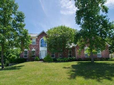 Villa for sales at Spacious Two Story on Park-Like Setting 5175 Rosemount Drive   Weldon Spring, Missouri 63304 Stati Uniti