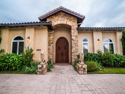 Vivienda unifamiliar for sales at 3899 Las Flores  Fallbrook, California 92028 Estados Unidos