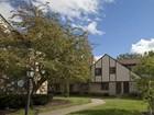 Condominio for sales at 2318 Terrance Drive 71    Columbus, Ohio 43220 Estados Unidos