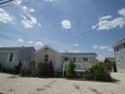 独户住宅 for  sales at Fabulous Location-Tredensous Potential 419 Daytona Drive Lavallette, 新泽西州 08735 美国
