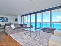 Condomínio for sales at W Hotel & Residences UPH-01 2201 Collins Avenue 1628   Miami Beach, Florida 33139 Estados Unidos