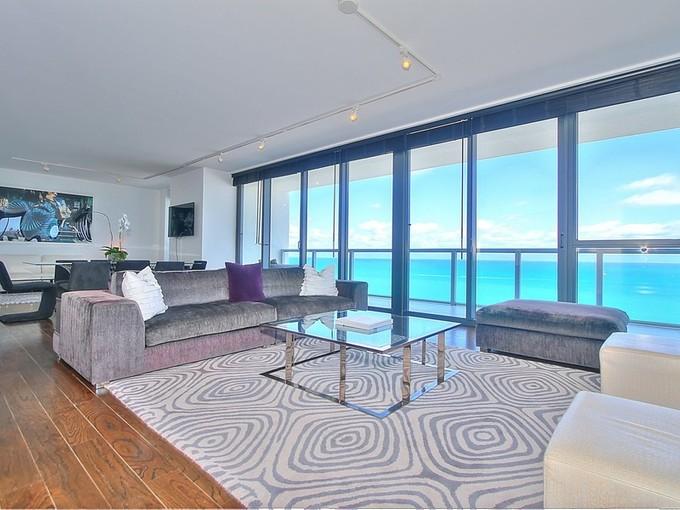 共管式独立产权公寓 for sales at W Hotel & Residences UPH-01 2201 Collins Avenue 1628   Miami Beach, 佛罗里达州 33139 美国