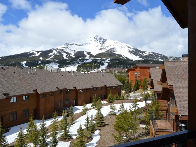 コンドミニアム for sales at Ski Condo close to Big Sky & Moonlight Basin 31 Heavy Runner Rd Unit 22D Big Sky, モンタナ 59716 アメリカ合衆国