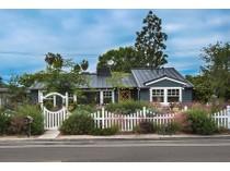 Maison unifamiliale for sales at 411 Irvine Avenue    Newport Beach, Californie 92663 États-Unis