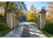 Casa para uma família for sales at Gorgeous European Style Home 4774 Northside Drive  Buckhead, Atlanta, Geórgia 30327 Estados Unidos