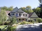 Villa for  rentals at Immaculate Mountain Home 35 Stratton Garden Road   Winhall, Vermont 05340 Stati Uniti