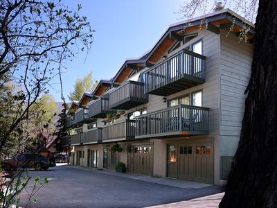 Casa Unifamiliar Adosada for sales at Remodeled West End Townhome 720 W. Hopkins Avenue Aspen, Colorado 81611 Estados Unidos