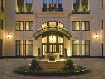 Condominio for sales at Waldorf Astoria Gorgeous Three Bedroom Masterpiece 11 E. Walton #3002 Chicago, Illinois 60611 Stati Uniti