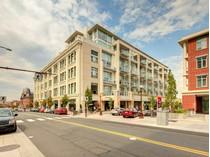 Piso for sales at Executive Downtown Condo 424-770 Fisgard Street   Victoria, British Columbia V8W0B8 Canadá