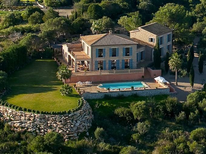 Apartamentos multi-familiares for sales at Stately estate in stunning location in Son Servera  Son Servera, Palma De Maiorca 07550 Espanha