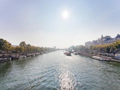 Appartamento for sales at Exceptional Apartment - Anatole France  Paris, Parigi 75007 Francia