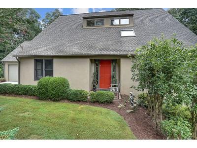 Casa Unifamiliar for sales at Fabulous Custom Designed Home 1176 Ives Trail  Atlanta, Georgia 30319 Estados Unidos