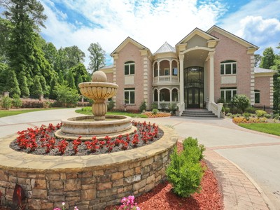 Nhà ở một gia đình for sales at Stunning Private Estate 1625 Sunnybrook Farm Road Sandy Springs, Georgia 30350 Hoa Kỳ