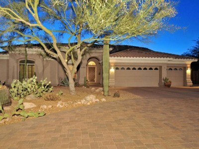 Maison unifamiliale for sales at Amazing 4 Bedroom Home On Half An Acre In Las Piedras In North Scottsdale 29886 N 77th Place Scottsdale, Arizona 85266 États-Unis