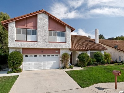 Villa for sales at Hunters Point Drive 282 Hunters Point Drive Thousand Oaks, California 91361 Stati Uniti