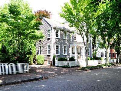 Nhà ở một gia đình for sales at America's Most Beautiful Street! 103 Main Street  Nantucket, Massachusetts 02554 Hoa Kỳ