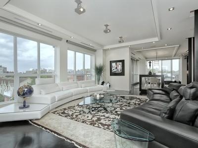 단독 가정 주택 for sales at Exquisite Design & Function 11 Soho Street, PH601 Toronto, 온타리오주 M5T3L7 캐나다