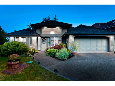 Nhà ở một gia đình for sales at Upper Caulfeild View Property 5404 W Vista Court West Vancouver, British Columbia V7W3G8 Canada