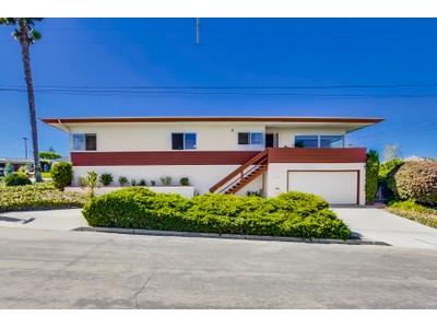 Einfamilienhaus for sales at 1306 Clove Street   San Diego, Kalifornien 92106 Vereinigte Staaten