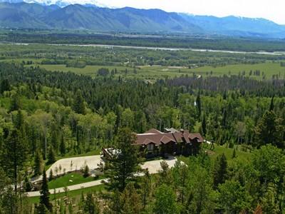 Maison unifamiliale for sales at Pristine Alpine Estate - Crescent H Ranch 1125 Crescent H Rd West Bank South, Wyoming 83014 États-Unis