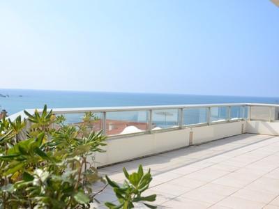 Appartement for sales at Biarritz Miramar plein océan  Biarritz, Aquitaine 64200 France