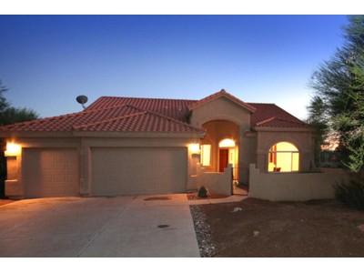 Частный односемейный дом for sales at Light, Bright Open Floor Plan On A Cul-de-Sac In The Heart Of Oro Valley 1741 W Verch Place  Tucson, Аризона 85737 Соединенные Штаты