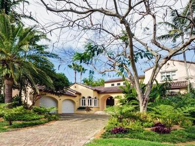 Vivienda unifamiliar for sales at 205 Caoba Court   Coral Gables, Florida 33143 Estados Unidos