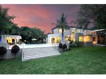 獨棟家庭住宅 for sales at Impressive, Modern, Family Home  Johannesburg, 豪登省 2196 南非