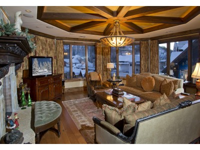 Condominio for sales at The Arrabelle at Vail Square – Grand Alpine Design with 5-Star Amenities 675 W. Lionshead Pl #555  Vail, Colorado 81657 Stati Uniti