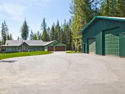 Maison unifamiliale for sales at Country Estate at Beaver Creek 9098 Sagle Road Sagle, Idaho 83860 États-Unis