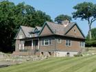 Частный односемейный дом for sales at Private Country Estate 52  Country Road   Mamaroneck, Нью-Мексико 10543 Соединенные Штаты