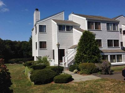 Condomínio for sales at Rowayton Woods 132 Rowayton Woods Drive Norwalk, Connecticut 06854 Estados Unidos