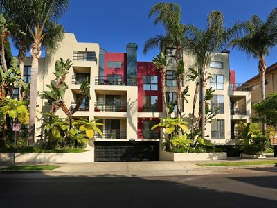Condominium for sales at 12000 Goshen Ave 12000 Goshen Ave 205 Los Angeles, California 90049 United States