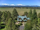 Einfamilienhaus for sales at Log Home on 30 Acres - Sisters, OR 69025 Quail Tree Drive Sisters, Oregon 97759 Vereinigte Staaten