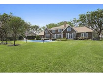 Einfamilienhaus for sales at Quogue Post Modern in Park-like Setting 16 Lakewood Lane   Quogue, New York 11959 Vereinigte Staaten