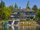 Casa para uma família for  sales at 282 Beach Drive  South Lake Tahoe, Califórnia 96150 Estados Unidos
