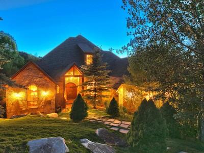 Maison unifamiliale for sales at Artistic Craftsmanship and Breathtaking Views 7303 Pine Ridge Dr  Park City, Utah 84098 États-Unis