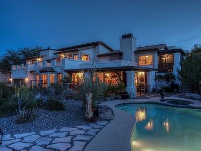 Casa Unifamiliar for sales at Authentic and Timeless Italian Villa 13610 N 17TH PL Phoenix, Arizona 85022 Estados Unidos