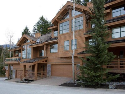 Villetta a schiera for sales at 25 Northern Lights 25 4150 Tantalus Drive Whistler, Columbia Britannica V0N1B4 Canada