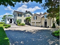 Villa for sales at Beautiful Historic Home with Views of the  Connecticut River 184 North Cove Road   Old Saybrook, Connecticut 06475 Stati Uniti