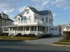 Casa para uma família for  sales at Wonderfully Renovated Home! 108 11th Ave. Belmar, Nova Jersey 07719 Estados Unidos