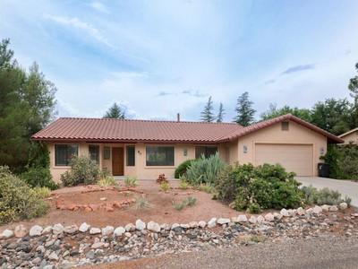 Частный односемейный дом for sales at Well Designed Contemporary 80 Raintrail Rd Sedona, Аризона 86351 Соединенные Штаты